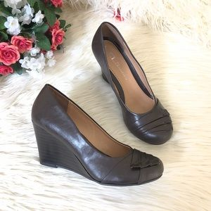"""NWOT CL By Chinese Laundry """"In Luck"""" Wedge Shoes"""